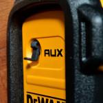 DeWALT DCR019 - Aux-Eingang