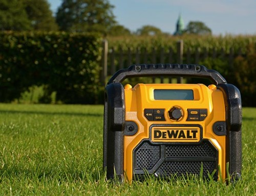Im Test: DeWALT DCR019 AM/FM Baustellenradio